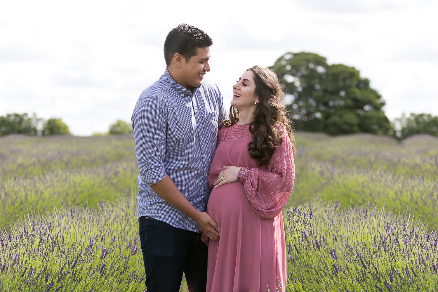 Lavender Maternity Photoshoot, Mayfield Lavender, Tooting Photographer