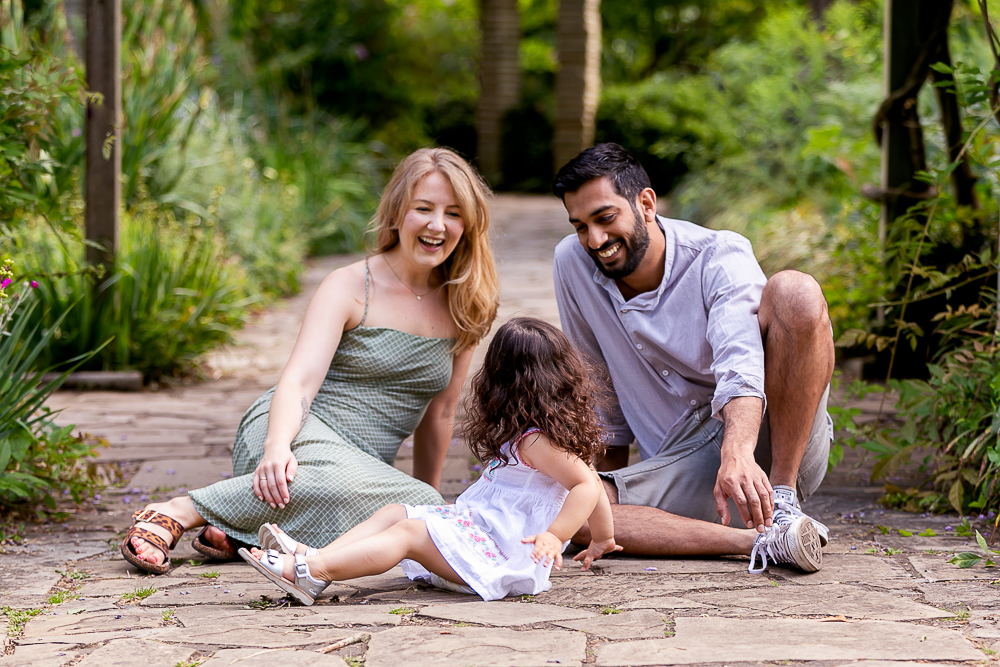 Family photoshoot outdoors, Tooting Photographer